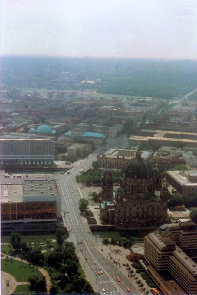 Unter den Linden 1989. Foto: gemeinfrei